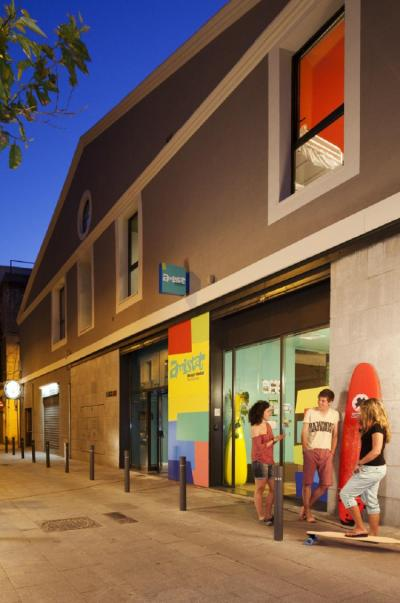 Albergues - Amistat Beach Hostel Barcelona